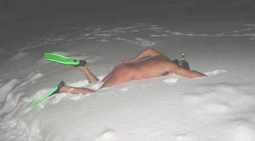 http://nyheter24.se/nyheter/internet/734531-kla-av-dig-naken-i-snon-nu-ar-frosting-har