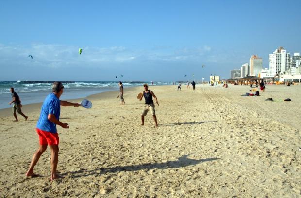 Matkot players on Tel Aviv beach