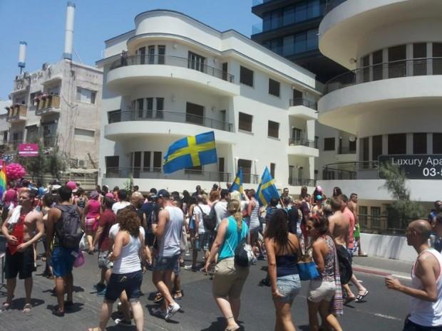 Swedes in the Gay Pride Parade, Tel Aviv, 2014 (photo by Veronika Nocky)